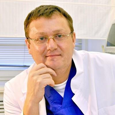 Семенов Артем Юрьевич, врач хирург, флеболог, эксперт по ультразвуковой диагностике вен нижних конечностей, кандидат медицинских наук