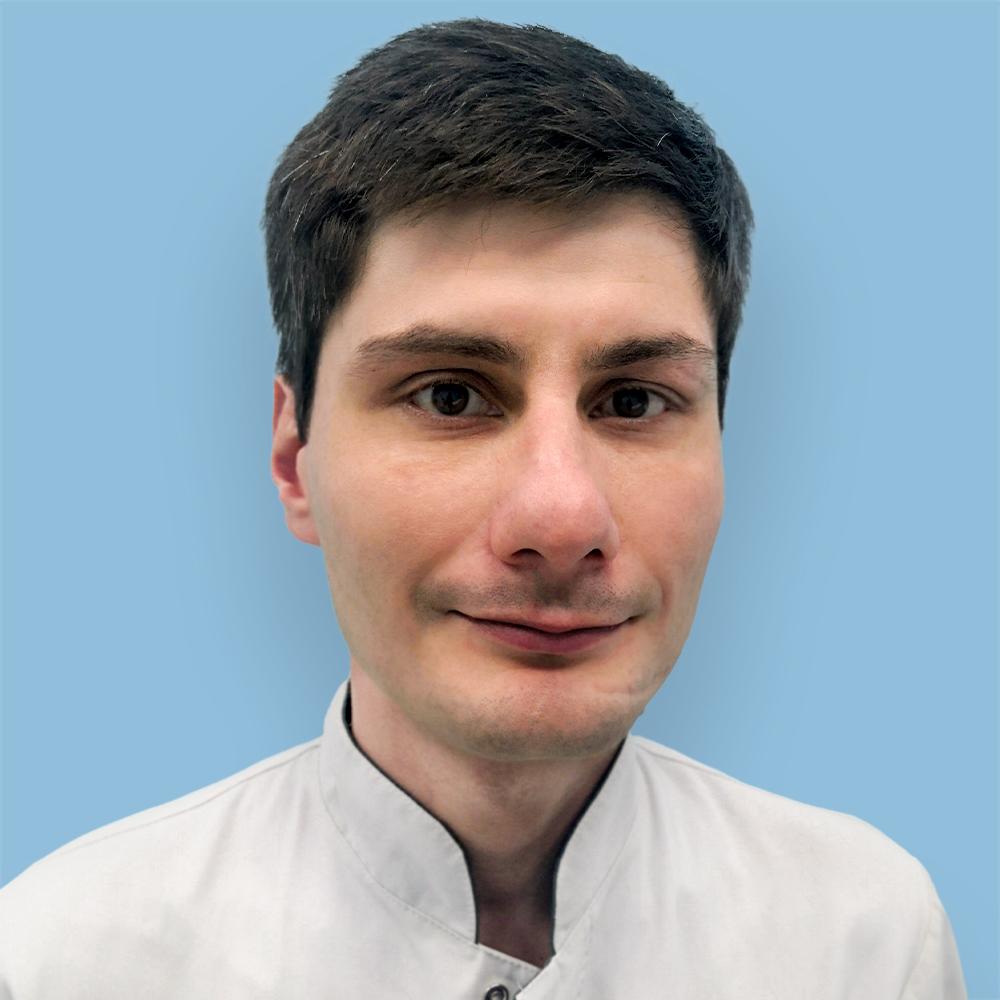 Калаев Николай Таймуразович, врач-оториноларинголог, кандидат медицинских наук, врач первой категории