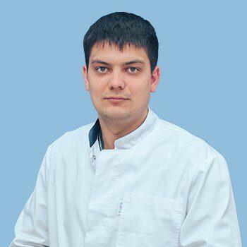 Мохов Дмитрий Андреевич, врач-хирург