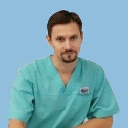 Раскин Владимир Вячеславович, врач-кардиохирург, сердечно-сосудистый хирург, флеболог, врач ультразвуковой диагностики, кандидат медицинских наук.
